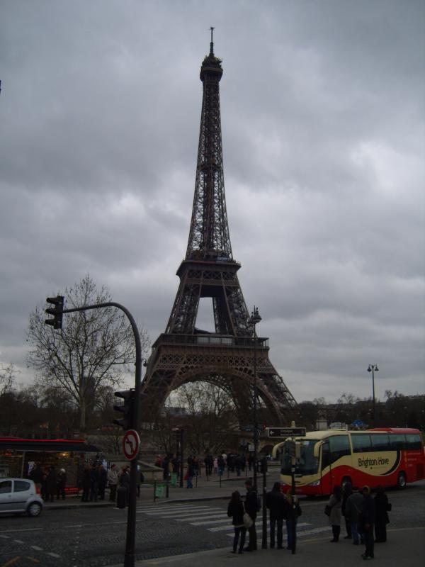 Parigi-,-la-Tour-Eiffel.jpg